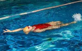 Польза плавания для спины