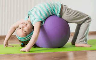 Как укрепить ребенку спину